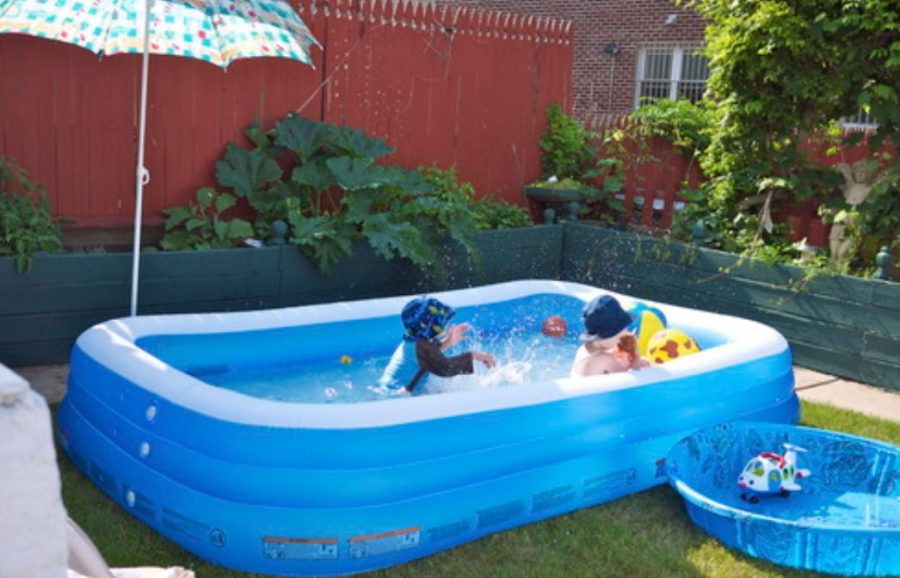 How to keep a kiddie pool clean