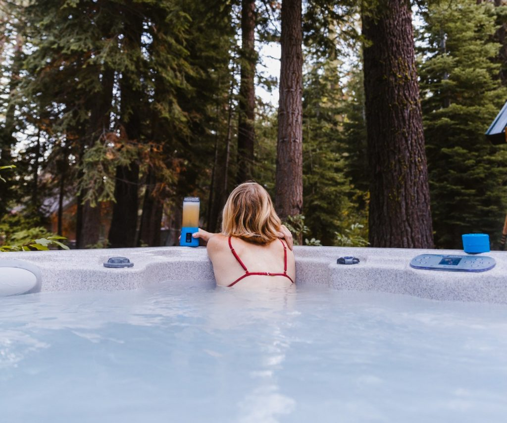 best cold weather hot tubs