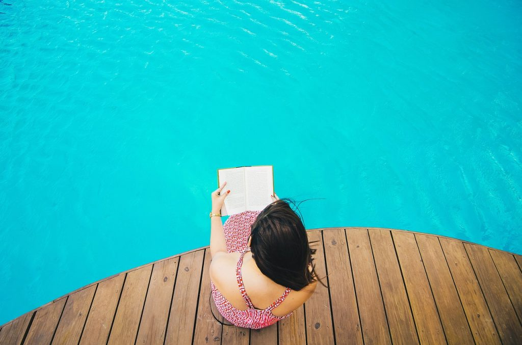 best books to read by the pool